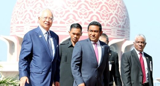 PUTRAJAYA 29 MARCH 2016. Perdana Menteri, Datuk Seri Najib Tun Razak  menerima kunjungan hormat Presiden Republik Maldives, Abdulla Yameen Abdul Gayoom  di Dataran Perdana, Pejabat Perdana Menteri, Putrajaya. NSTP/FARIZ ISWADI ISMAIL